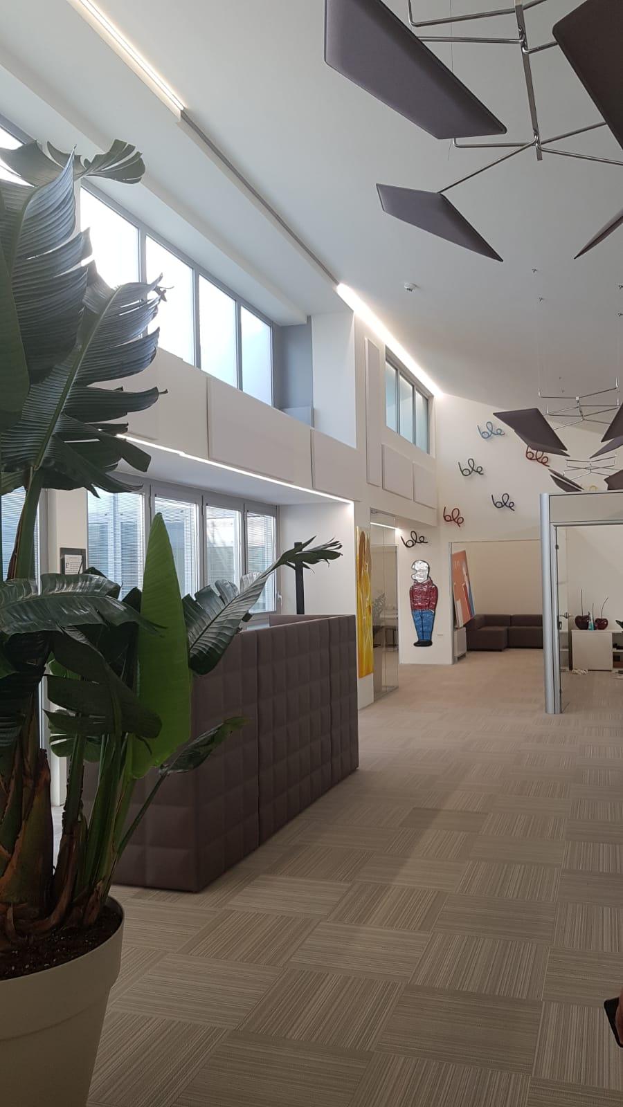 Mobili per ufficio milano e provincia comodi come a casa for Mobili ufficio milano